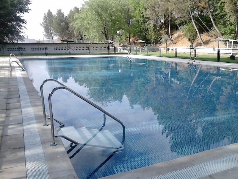 Mantenimiento de piscinas en madrid mantenimiento for Limpiadores de piscinas